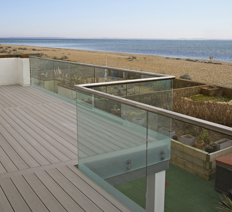 Balcony decking from timbertech for Balcony surrounds