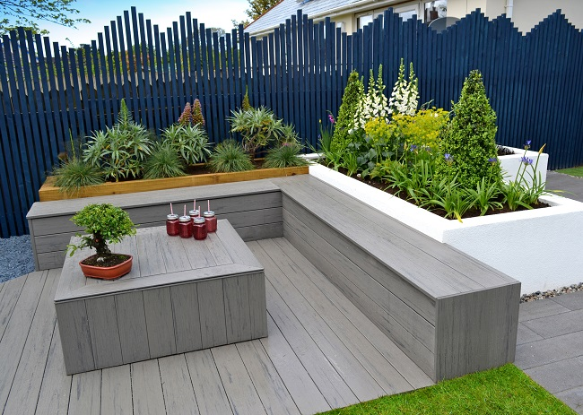 Love your garden timbertech decking appears on itv for Decking for your garden