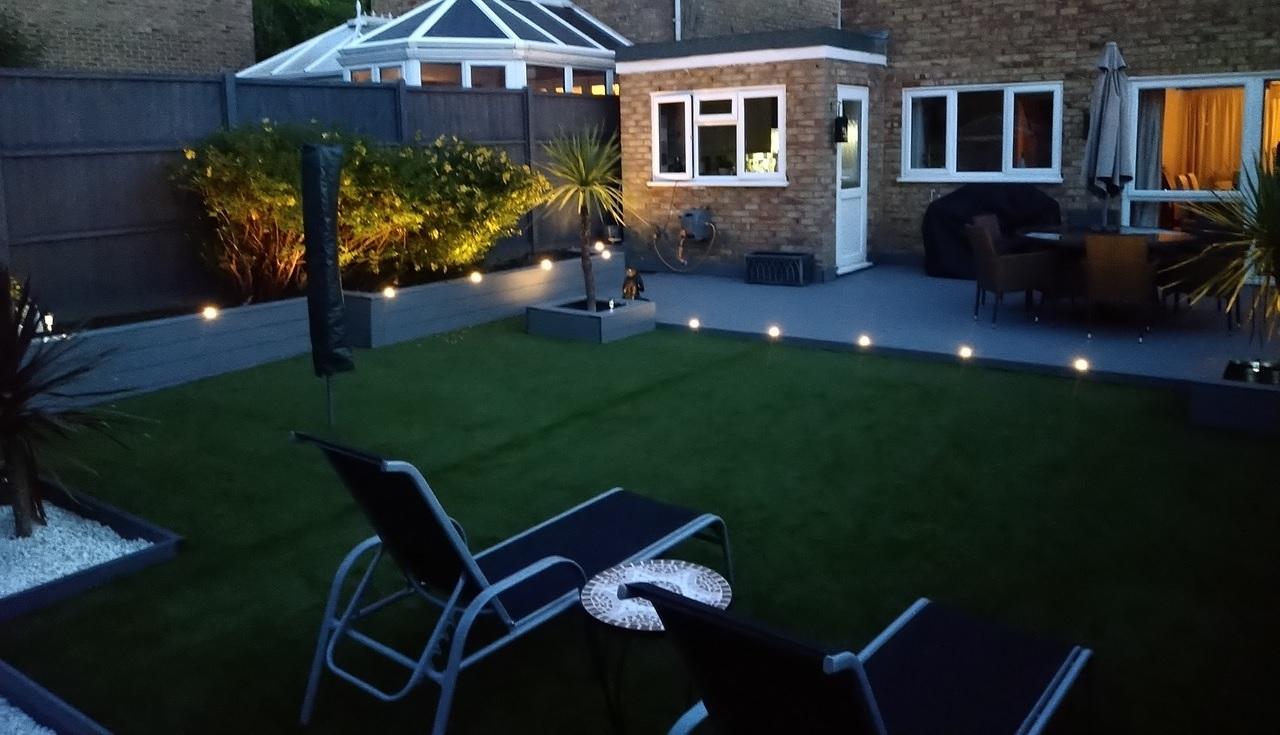 Garden with Maritime Grey deck