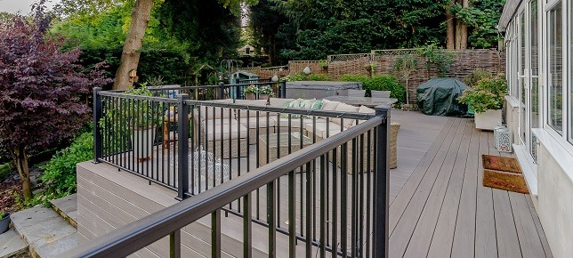 Composite Decking With Railing