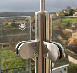 Glass Balustrade Handrail Corner Detail